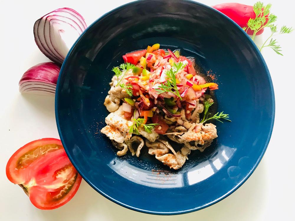 【スタミナレシピ】ミネラル補給に♪豚肉と夏野菜のフレッシュサルサソースサラダ
