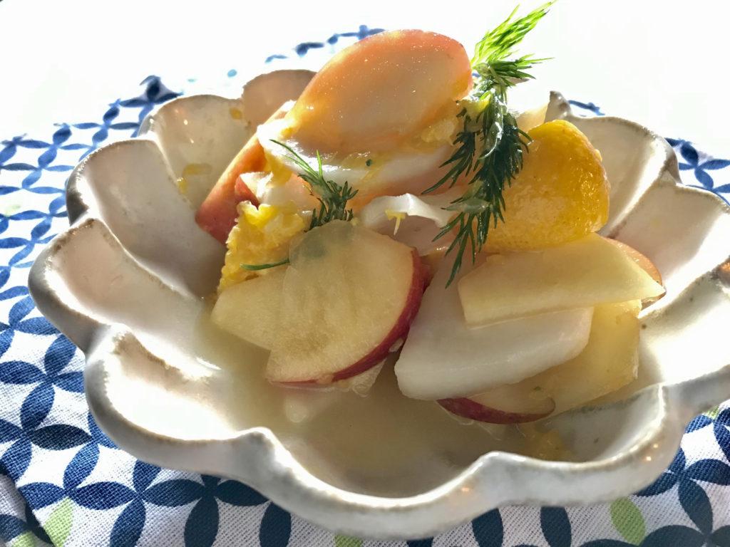 【乾燥ケアレシピ】ビタミン補給で潤いUP!カブとりんごの混ぜるだけサラダ