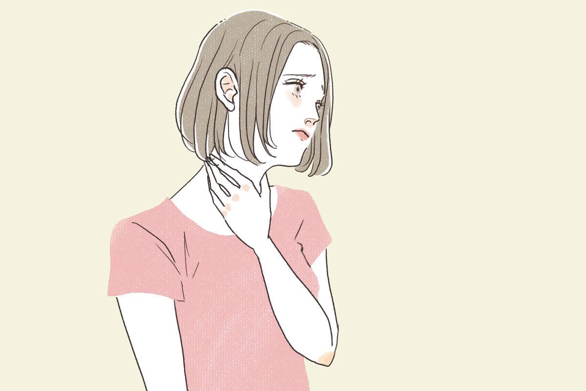 喉がイガイガして痛い女性